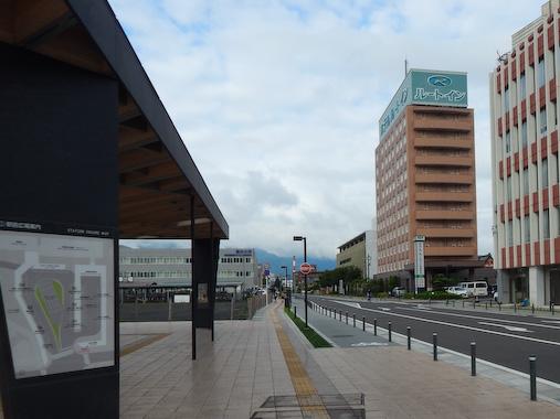 turugaekimae-1.jpg